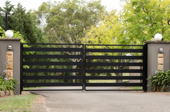 Poser des clôtures à Toulouse